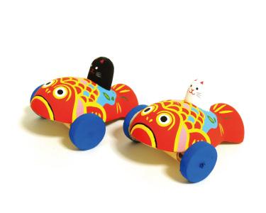 金魚のおもちゃ車